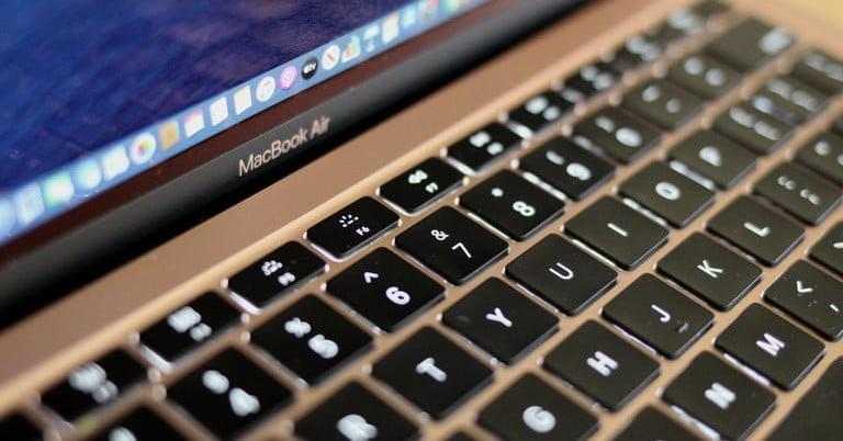 اپل در حال کار بر روی مک بوک هایی با کلیدهای جمع شدنی است تا لپ تاپ های نازک تری بسازد