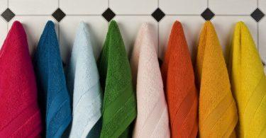 چه مدت باید از حوله حمام خود استفاده کنید بدون اینکه آن را بشویید؟