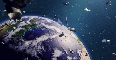 ماهواره ژاپنی JSAT با شلیک لیزر به جنگ زباله های فضایی میرود.