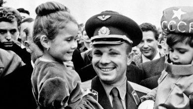 یوری گاگارین، نخستین انسانی که با فضاپیما به فضا رفت را بیشتر بشناسید