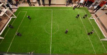 الگوریتم جستجوی اکتشافی جدید برای برنامه ریزی حملات در فوتبال روباتیک