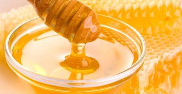 مطالعات آکسفورد نشان می دهد که عسل موثرترین درمان سرفه و سرماخوردگی دستگاه تنفسی است