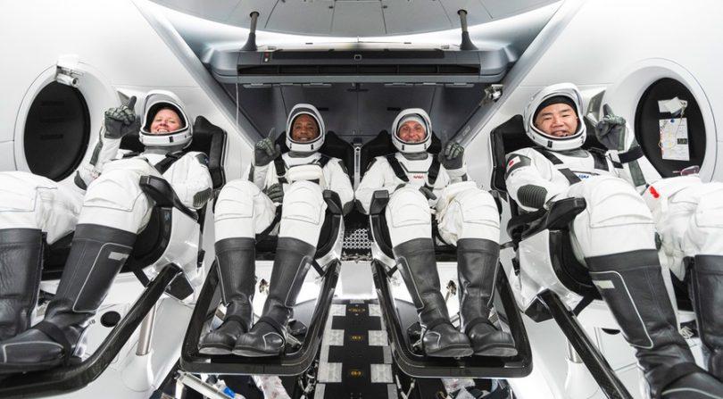 کاوش گر فضایی-فضانوردان-ناسا و اسپیس ایکس تاریخ اولین ماموریت عملیاتی خدمه اژدها را تعیین کردند