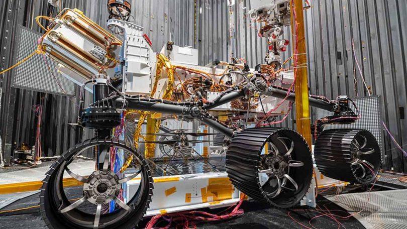 هلیکوپتر مریخ نورد نبوغ ناسا باتری های خود را در هنگام پرواز شارژ می کند