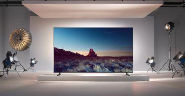سامسونگ از تلویزیون 98 اینچ و 8k خود رونمایی نمود