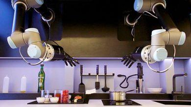 """رباتیک-مولی روباتیک""""(Moley Robotics) از اولین آشپز خانه رباتیک رونمایی نمود."""