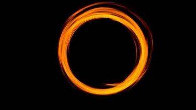 راه حل عدم مغایرت نظریه نسبیت با نظریه کوانتوم در مورد افق رویداد سیاهچاله ها