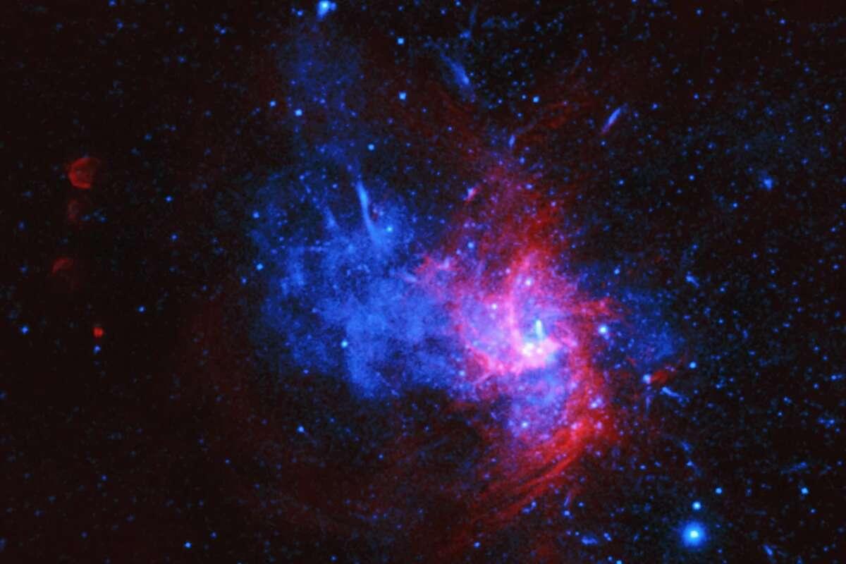 در مرکز کهکشان راه شیری به جای سیاهچاله، توده ای از ماده تاریک وجود دارد دارکینوس